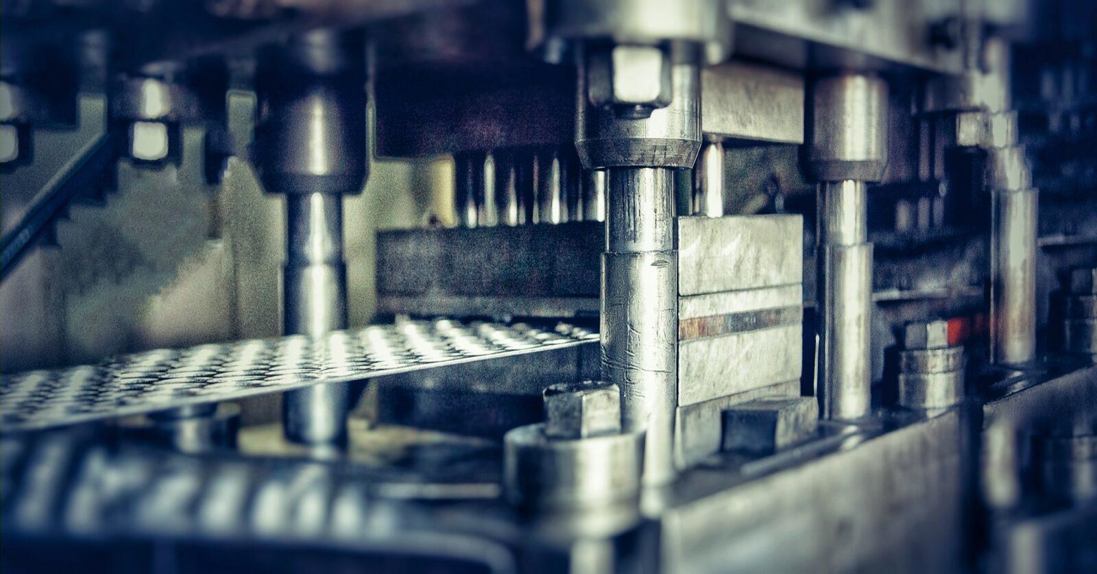 Холодная штамповка металла: технология, виды, оборудование