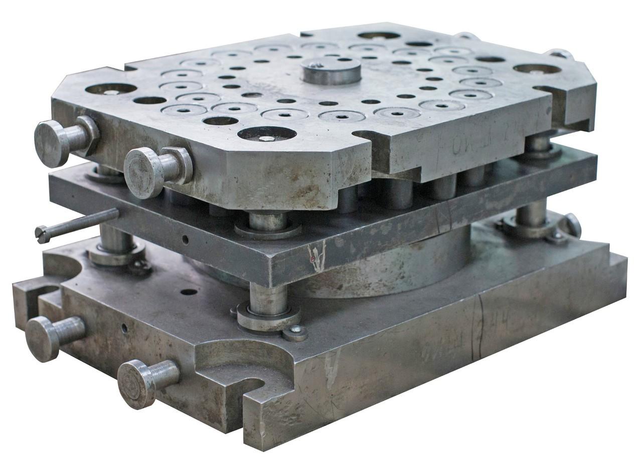 Проектирование штампа для листовой штамповки, выбор оборудования.